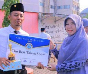 Artistic talent in teaching devi hendriyana insan mandiri islamic boarding school