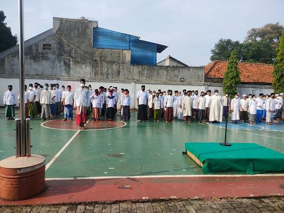 Read more about the article Upacara Hari Santri Insan Mandiri Cibubur